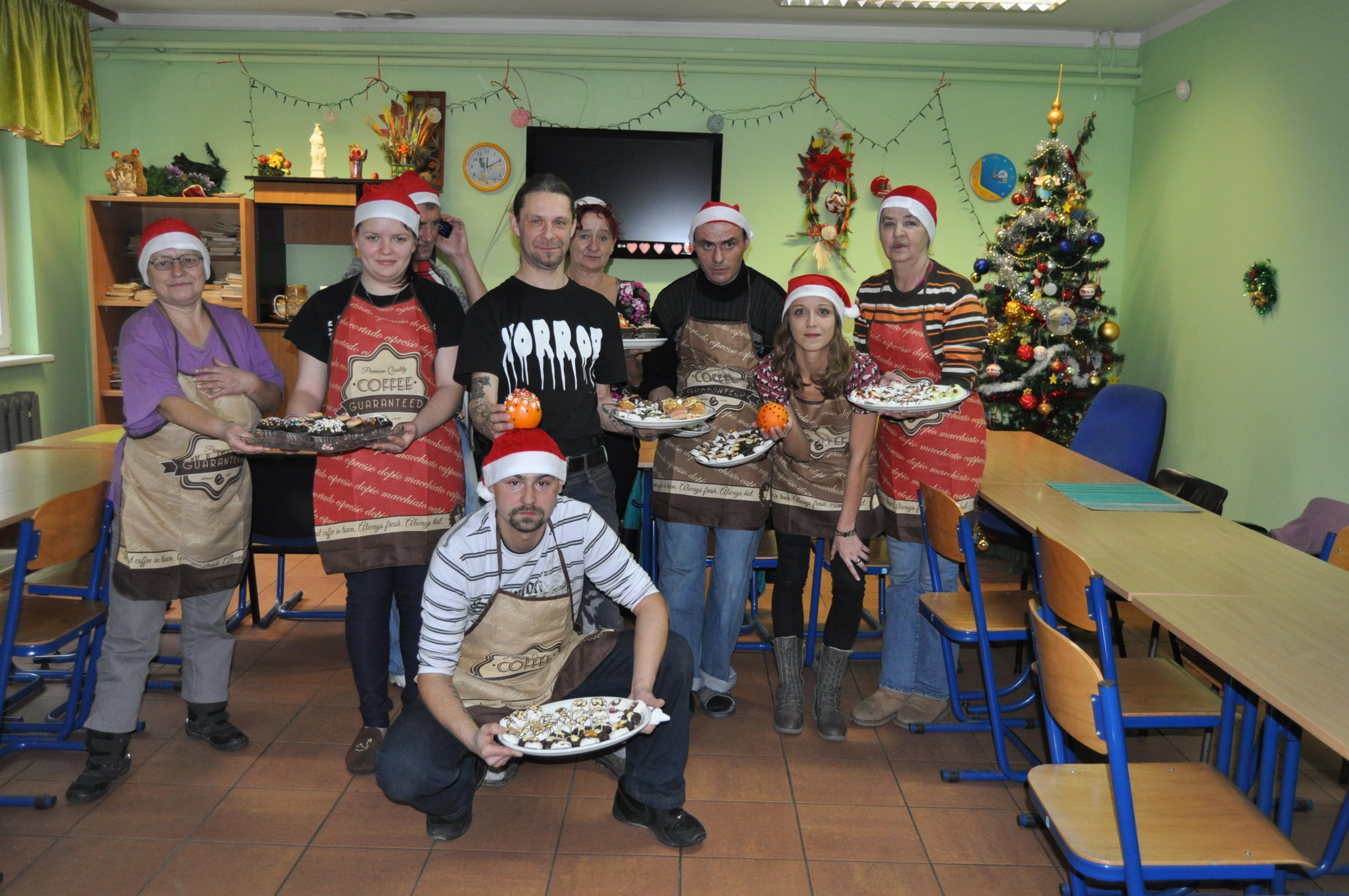Ilustracja do informacji: Przygotowania do świąt w Noclegowni